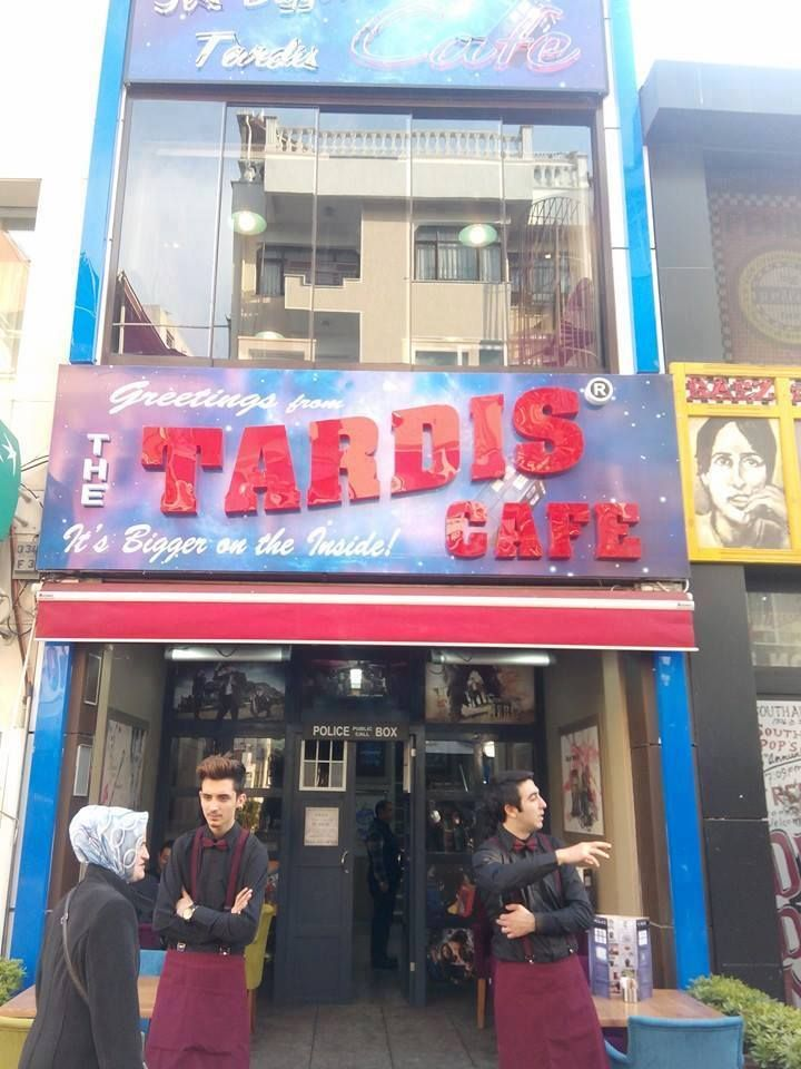 guys, there's a TARDIS cafe... They're wearing bow ties. Guys where is this place? LOOK AT THE DOOR