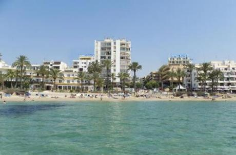 ROBERTO PLAYA HOTEL, one of the cheapest hotels in Ibiza