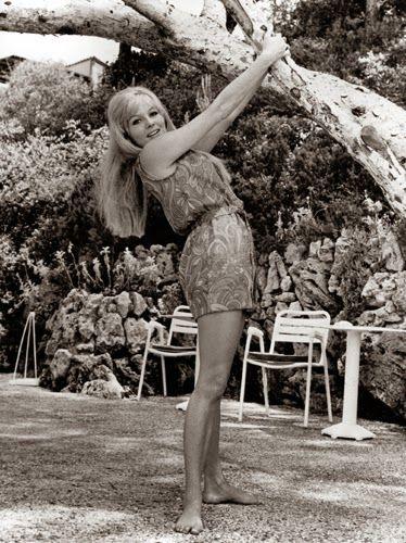 Vintage Glamour Girls: Olinka Berova