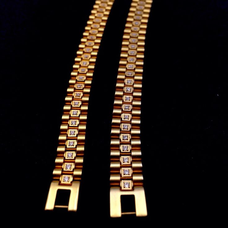 Bullion Heaven product  rolex chain ladies chain check out our website now www.bullionheaven.bigcartel.com #miamicubanlink #cubanlink #goldlink #goldchain #goldpiece #goldnugget #bullionheaven #18k #14k #jesuspiece #angelpiece #pharaohpendant #boss #stacks #swaggod #highsnobiety #hypebeast #rvspgallery  #amhush #dopepiece #blvck #goldheaven #hippop #golggod #ladies #lady