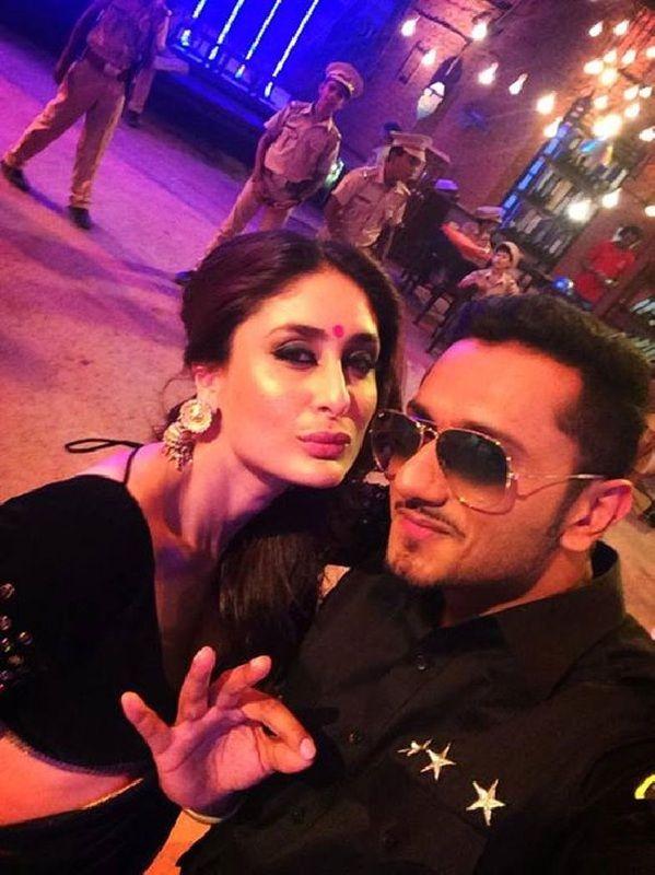 Yo Yo Honey Singh's Selfie with Kareena Kapoor