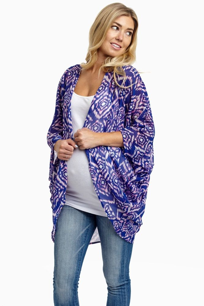 This flattering Aztec printed maternity cardigan offers the most gorgeous day to night layer this warm season.