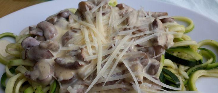 courgettepasta met champignonroomsaus
