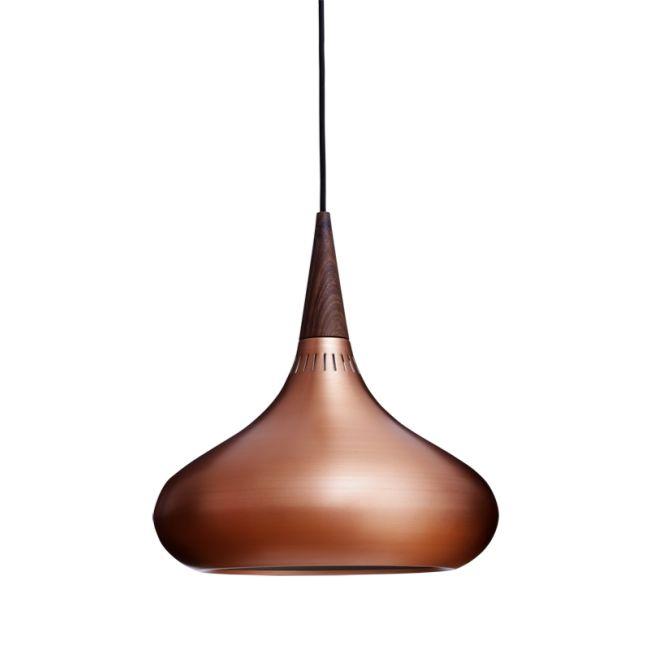 Orient pendel P2 (Ø340 mm) är en felfri lätt design med bra ljusspridning, tillverkad av material av högsta kvalitet.