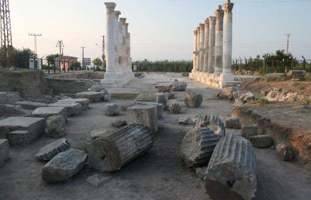 ARKEOFİLİ ///  Mersin'de Antik Yunan Şairi Aratos'un Mezarı Sera Oldu