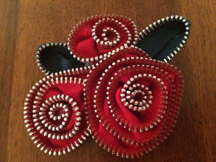 Spilla fiori rossa cerniere handmade
