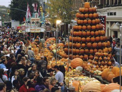 Circleville Pumpkin Festival. Fried pumpkin blossoms; pumpkin pizza; pumpkin burgers; pumpkin chili, pumpkin waffles, pumpkin buckeyes; pumpkin cream puffs, pumpkin elephant ears among traditional favorites like pumpkin chip cookies, log rolls, bread, and cheese cake.