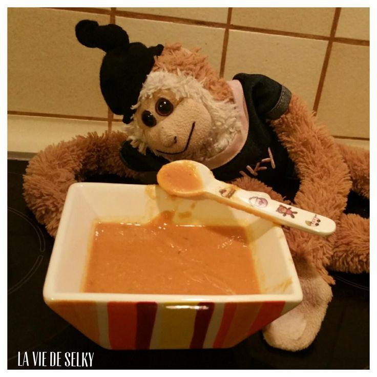 Selky te propose la recette de la soupe de lentilles corail revisitée, avec des tomates pelées et épices dans le dedans. Miam la soupe !