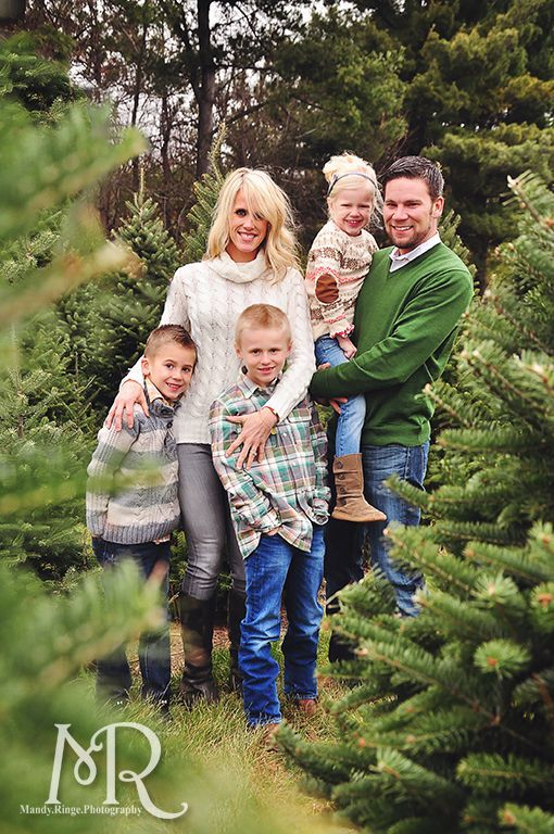 Family Christmas Portrait Christmas Tree Farm Simple