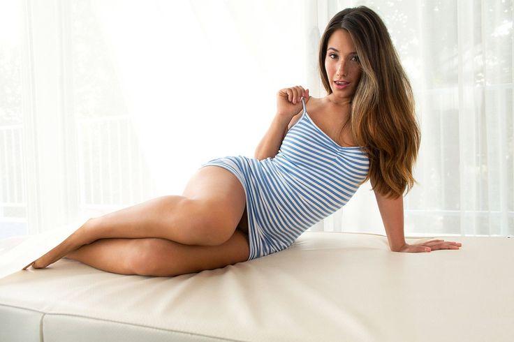 Conheça a linha de produtos Avon e encontre o que mais combina com você.  http://www.ofertasimbativeisbrasil.com/beleza-cuidados-com-o-corpo/