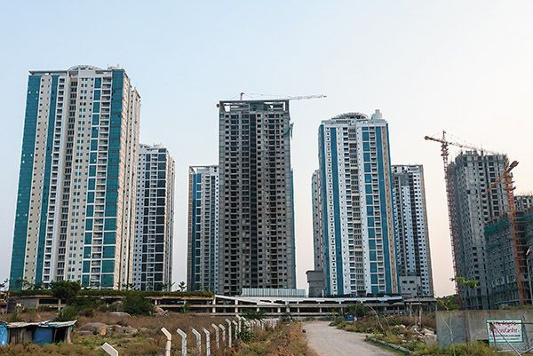 Vijaywada's loss is increasingly becoming Hyderabad's gain. At least that's exactly what the trend, presently existing in the real estate property marketplaces of the two states, recommends. - http://hyderabad-real-property.blogspot.in/2014/06/vijaywadas-loss-hyderabad-gain.html