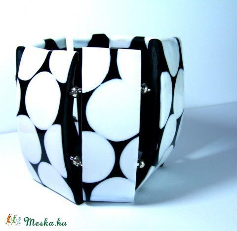 Meska - Fekete-Fehér Retro pöttyök elegánsan tálalva karkötő Browny kézművestől