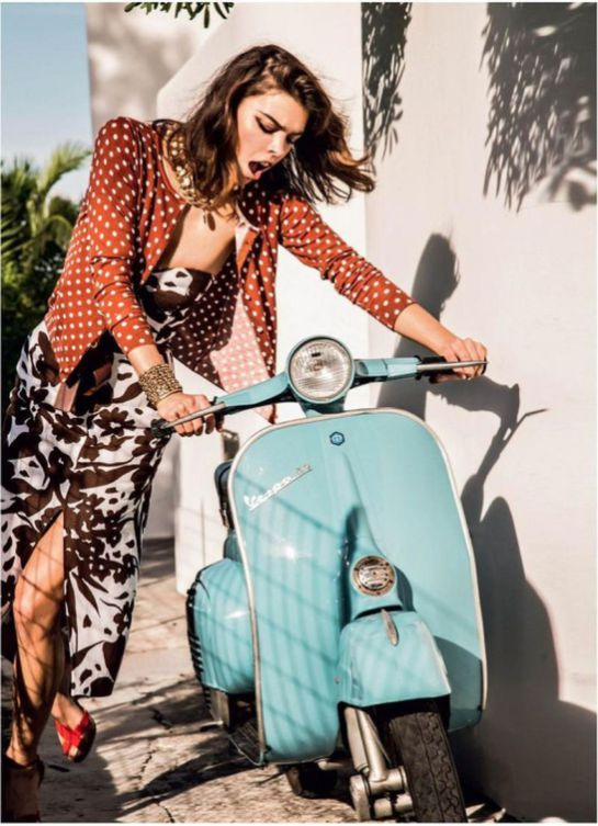 Scooter Girl Vespas 79