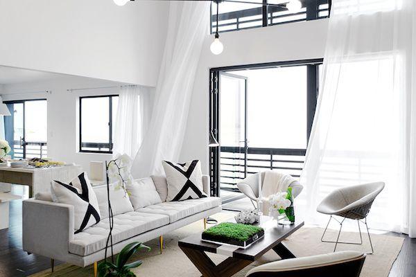 A black and white beach home | American Dream builders