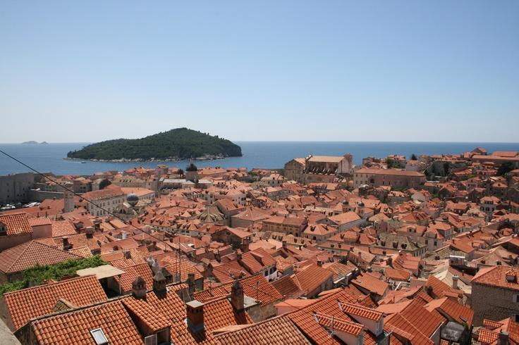 Punaisten kattojen meri. A lot of red roof houses. #Dubrovnik