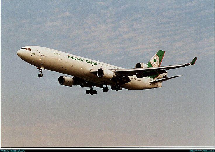 McDonnell Douglas MD-11F, EVA Air Cargo, B-16106, cn 48545/587, first flight May 1995, EVA Air Cargo delivered 22.6.1995. Foto: Brussels, Belgium, 6.9.1999.