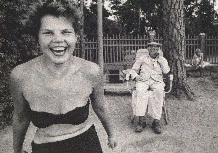 Bikini, Moscow, 1959. Photograph by William Klein.
