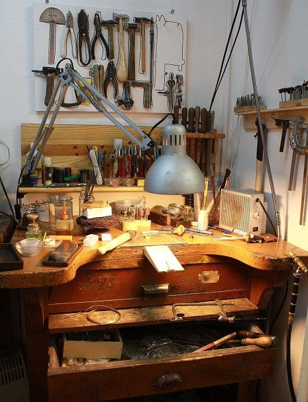 Great jewelers bench