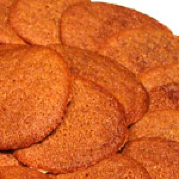 molasses ginger crisps - can't wait to try this - I hope its the one I've been searching for!