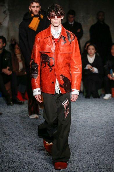 Guarda la sfilata di moda uomo Marni a Milano e scopri la collezione di  abiti e c4b718ae51e
