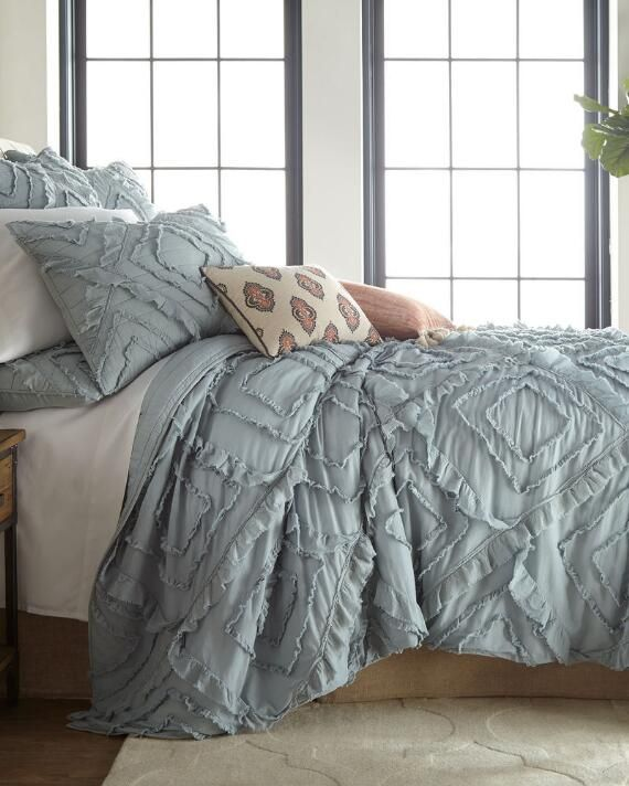 Exclusively Ours Raleigh Quilt Bed Comforter Sets Rustic