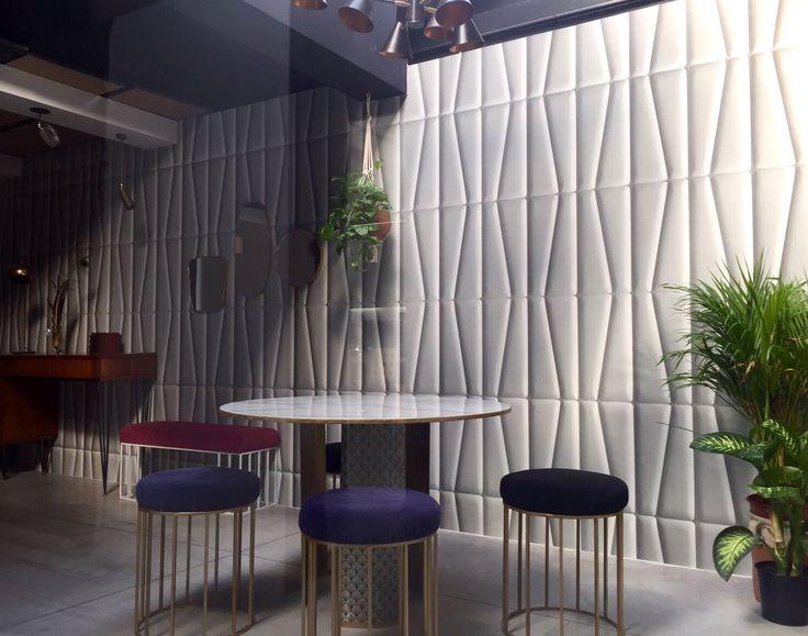 MAT Factory - Spazio Renzo Serafini Luce - Misano Adriatico. On the walls Bamboo #wallpaper. #cartadaparati #design #interiordesign #arredamento #arredamentointerni #walldesign #surfacesdesign #wallcovering #italian #madeinItaly #lenuance