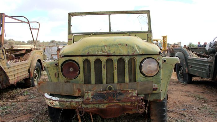 An Austin Champ, an old military four-wheel drive built in the 1950s went under the hammer at Cedarwood Farm near the Broken Hill Airport. (Image: ABC/Alexandra Back)