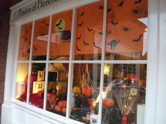 Window Display | Halloween Retail Displays | Pinterest | Halloween ...