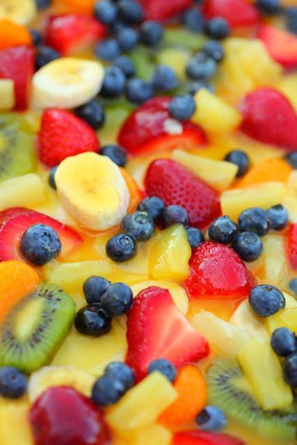 13 Fresh fruit salad combinations @LUSH Deutschland