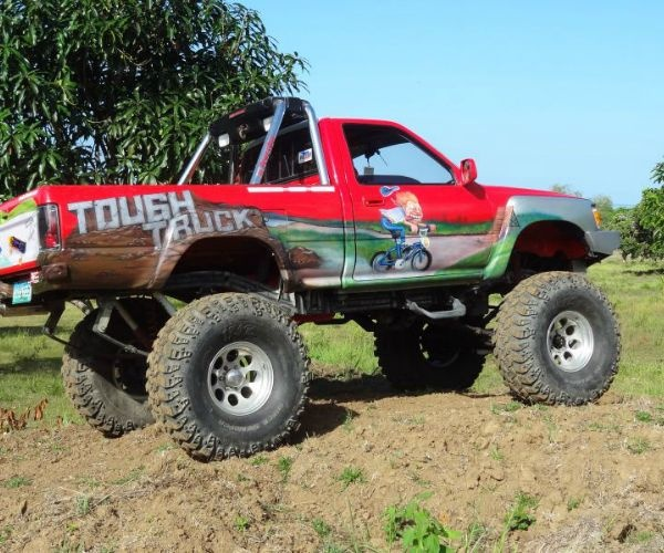 Tablas Xtreme resort has a Toyota 4X4 off road Monster truck that offers serious adventure on our 20 Hectares off road race tracks, with figure of 8 and other style tracks for you to get your adrenaline rush.    BIG FOOT HAS A V-6 VORTECH WITH AROUND 300 HP, nice