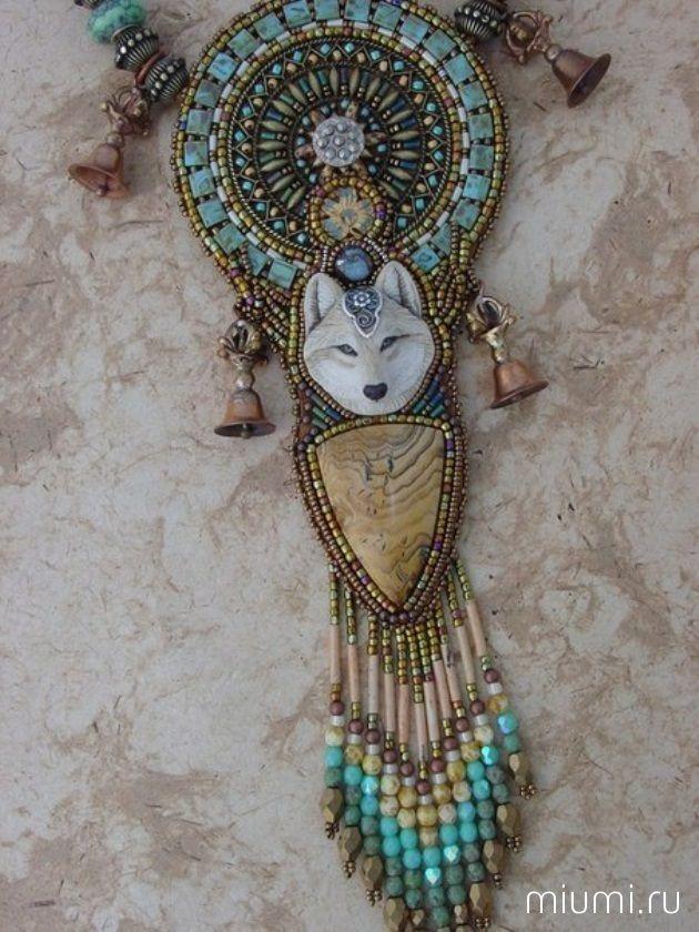 Miumi | Бисер, индейские традиции и атмосфера Дикого Запада: невероятные украшения от Heidi Kummli