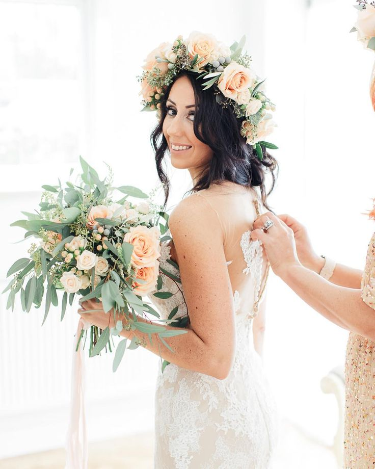 Saturday morning wedding vibes 🍑  Whose going to be doing this soon? Image by @sungbluephoto Dress @pronovias Styling @thewhiteemporium Planning @claireclarkeweddings Videography @roostfilmco Feature: http://www.rockmywedding.co.uk/terri-paul/ . . . #rockmyweekend #morningofthewedding #bridalpreparation #gettingready  #pronoviasbride #pronoviasdress #laceweddingdress #flowercrown #bouquet #weddingflowers #bridalbouquet  #weddingbouquet #peachwedding #bridalbabe #fineartwedding…