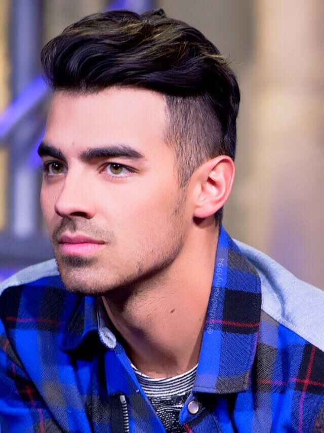 Joe Jonas is not doofy. His brother is.