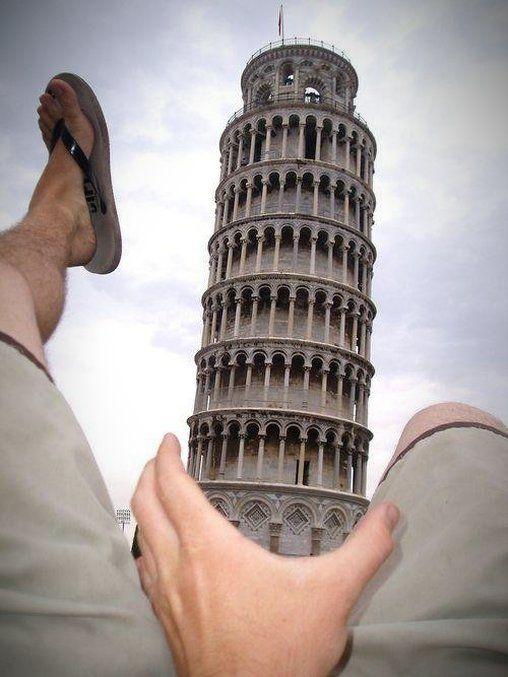 Das erkennt man auch an diesem... äh... interessanten Bild mit dem schiefen Turm von Pisa.