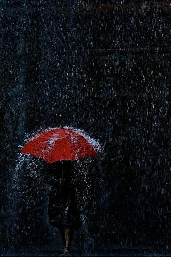 Epingle Par Micha Sur Rain Rain Photographie De Pluie Parapluie Rouge J Aime La Pluie