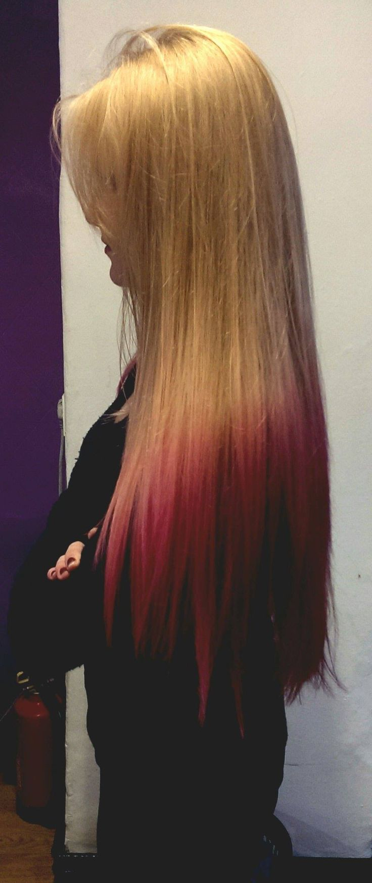 Hairstyle Fudge Lookbook - ombré rosa su capelli biondi