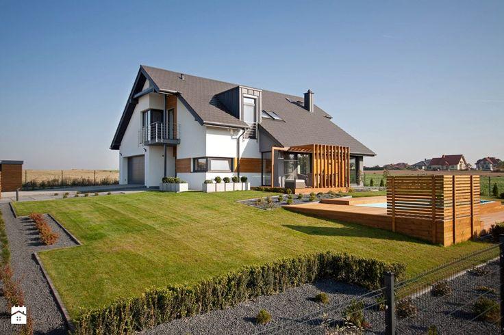 DOSKONAŁY 3 - realizacja projektu - Duże jednopiętrowe domy jednorodzinne z dwuspadowym dachem murowane, styl nowoczesny - zdjęcie od DOMY Z WIZJĄ - nowoczesne projekty domów