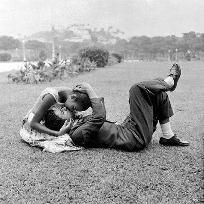 © Foto de Walter Firmo. Praça Paris. Rio de Janeiro, 1957.