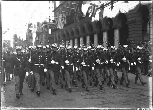 United States Marines marching through Sydney's Martin Place, Sydney, July 23, 1925. . On 23 July 1925, Sydney hosted eight of the US Navy Battle Fleet's largest ships, including USS CALIFORNIA, USS COLORADO, USS TENNESSEE, USS MARYLAND, USS WEST VIRGINIA