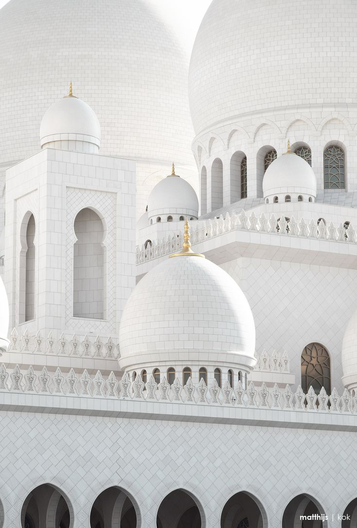 Sheikh Zayed Grand Mosque, Abu Dhabi, UAE | Photo by Matthijs Kok