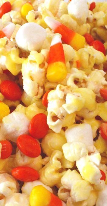Candy Corn Popcorn ~ So pretty and festive and perfect for a Halloween themed movie night or as an extra Halloween party snack
