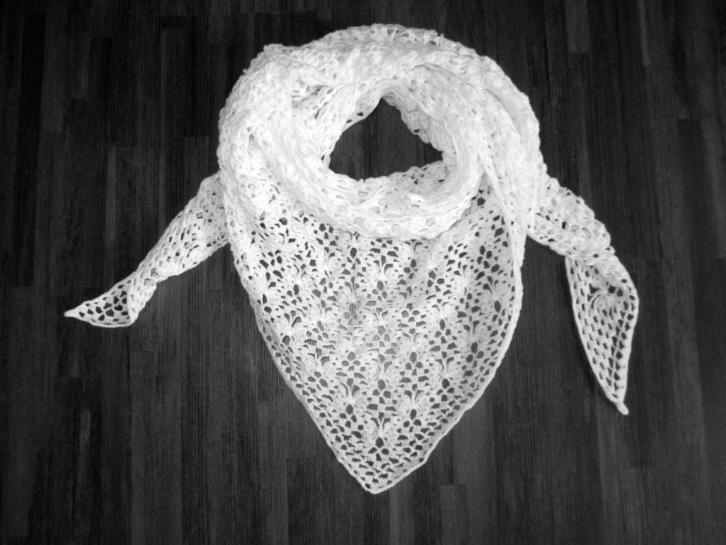 gehaakte omslagdoek/sjaal met vlinders