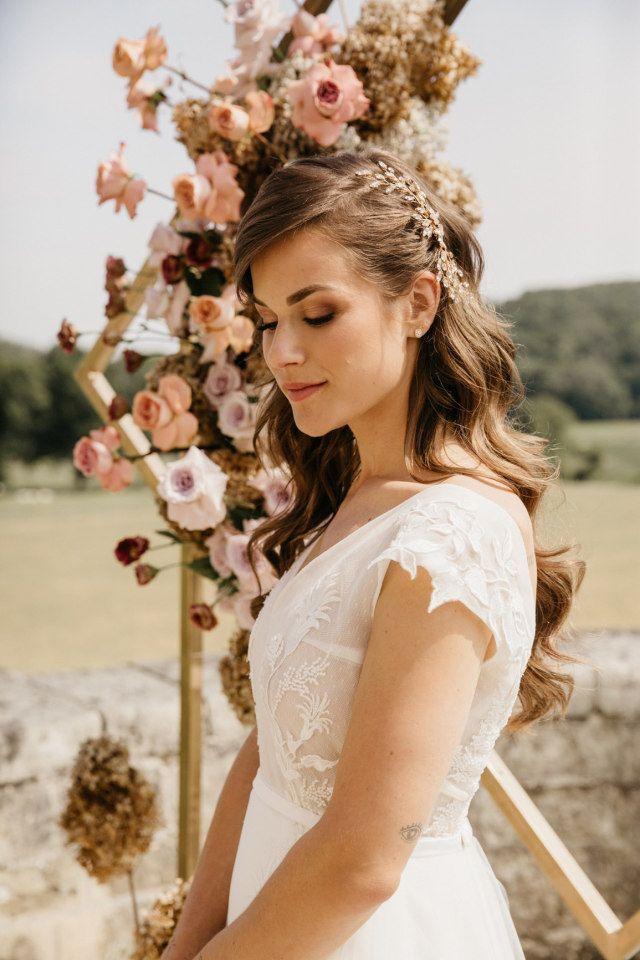 Styled Shoot Franse Romantiek In Een Nederlands Chateau Bruidsmake Up Bruidskapsel Jurken Voor Bloemenmeisjes