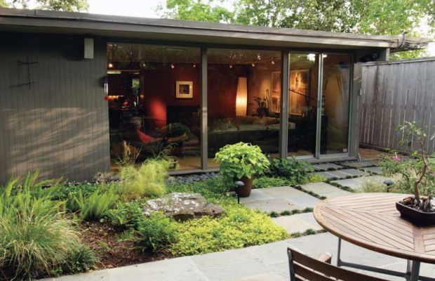 Patios offered refuge from the elements in new neighborhoods with few shade trees. (Photo: Courtesy of Atomic Ranch)