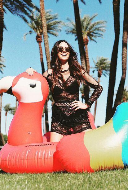 Isabella Santoni, Bruna Marquezine, Gabi Lopes e Kendal Jenner capricharam no visual para participarem de evento de música na Califórnia.