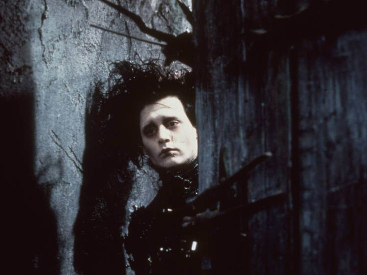 The 12 best Christmas Movies to watch-Edward Scissorhands (1990)