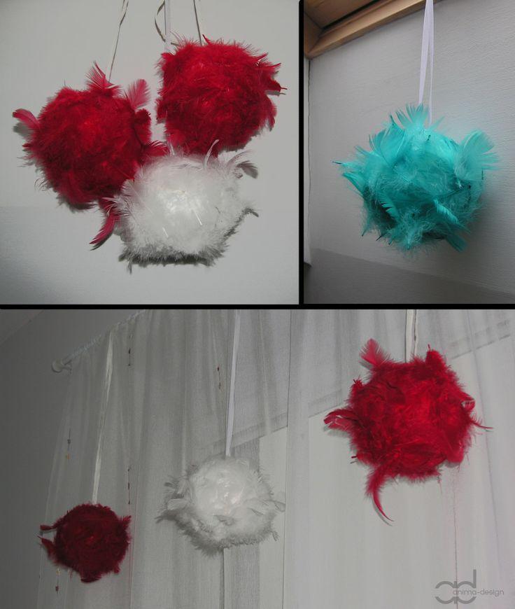 Small styrofoam balls all in feathers. Projektowanie Wnętrz Marta Czapla