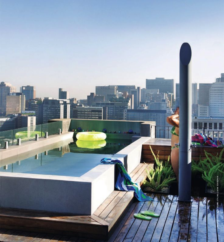Johannesburg rooftop - a quick dip before seeing the city