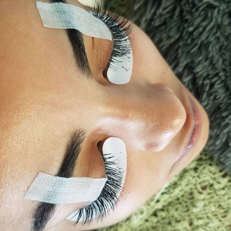 So proud of Kathia! We train our staff and students to be the Best! You go girl. I have no excuse... Brows + Lashes always in fleek!  Eyelash extensions ������ Book now at Gloria Medina Hair + Beauty Bar for the most realistic semi permanent eyelash technique. ✔✔✔✔ ☎Call: 504-360-2088 or text 504-317-6557 (Kenner/New Orleans area) ----------------------------------------------------------------- Please call us today for training and certification or visit www.nolalashandbrow.com ✔realistic…