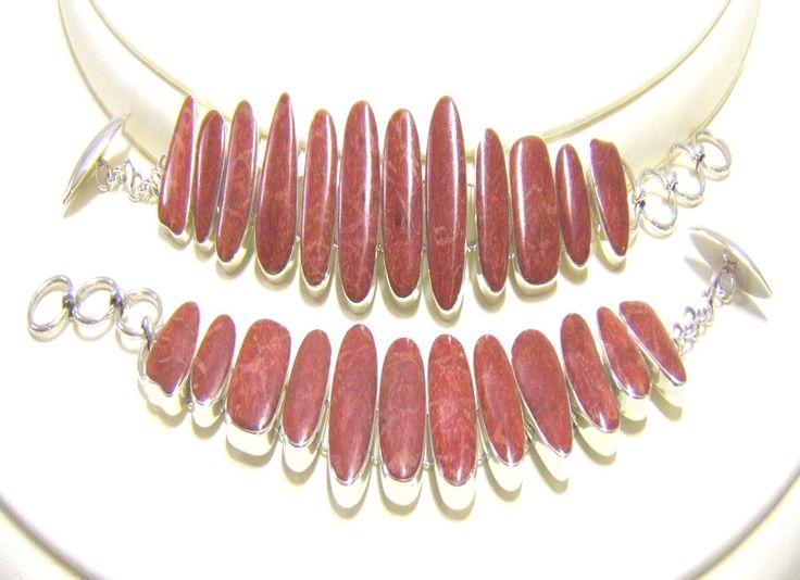 Modern Bracelet in Madrepora Coral and Silver 925%